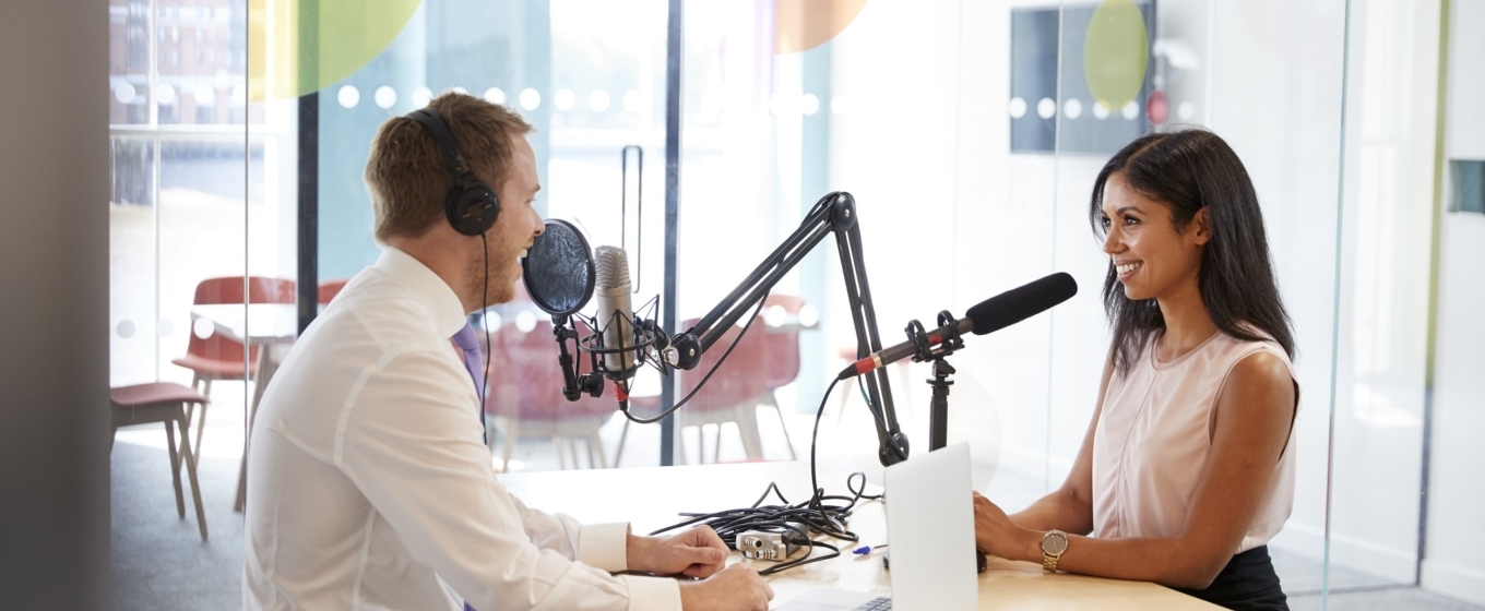 5 Sales Podcasts You Should Listen to in 2019